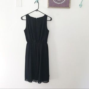 BR pleated dress
